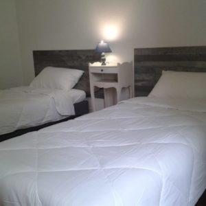Chambre-2-lits-simples-1-1024x768